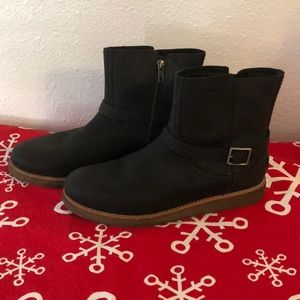 Ugg Black Zipper Ankle boots Size 11 M